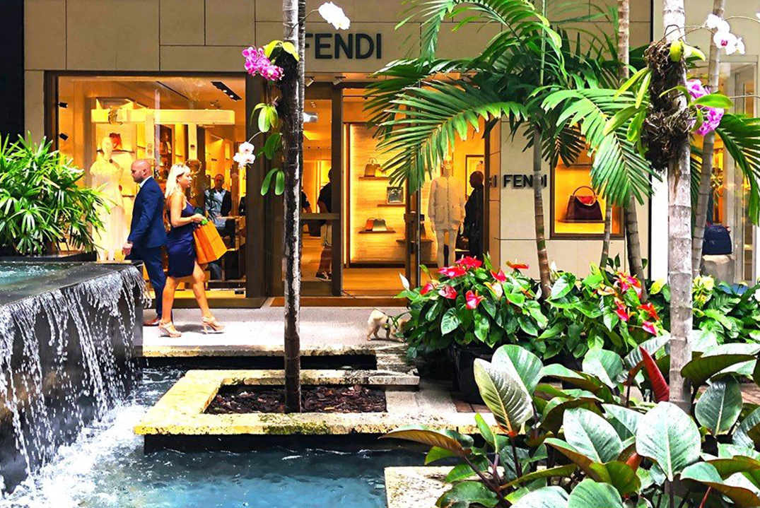 People shopping and walking at Bal Harbour shops